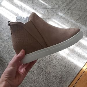 Wedge sneakers taupe